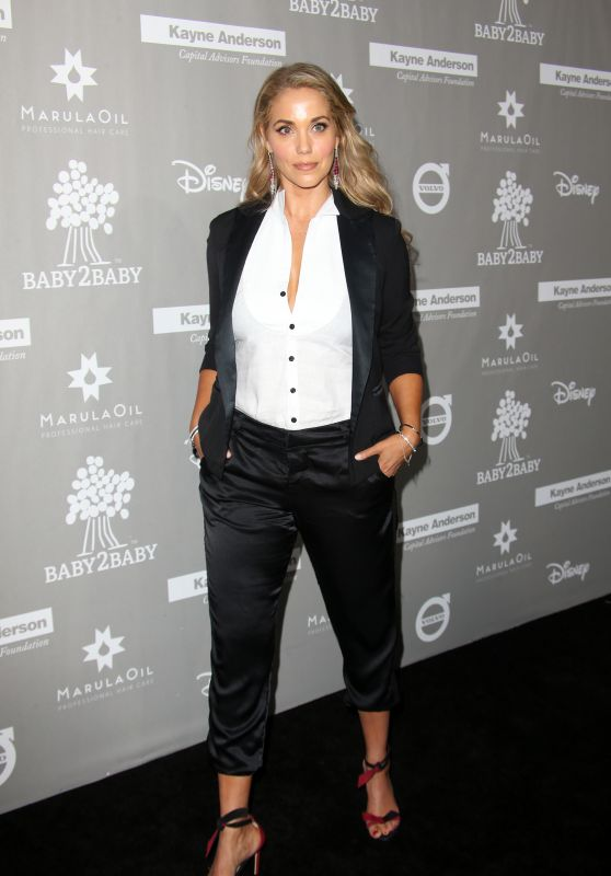 Elizabeth Berkley – 2015 Baby2Baby Gala at 3LABS in Culver City