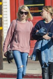 Emma Roberts Street Style - Out in Los Felitz, November 2015