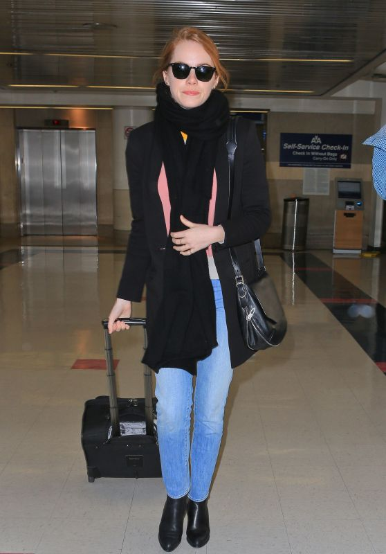 Emma Stone at LAX Airport, November 2015