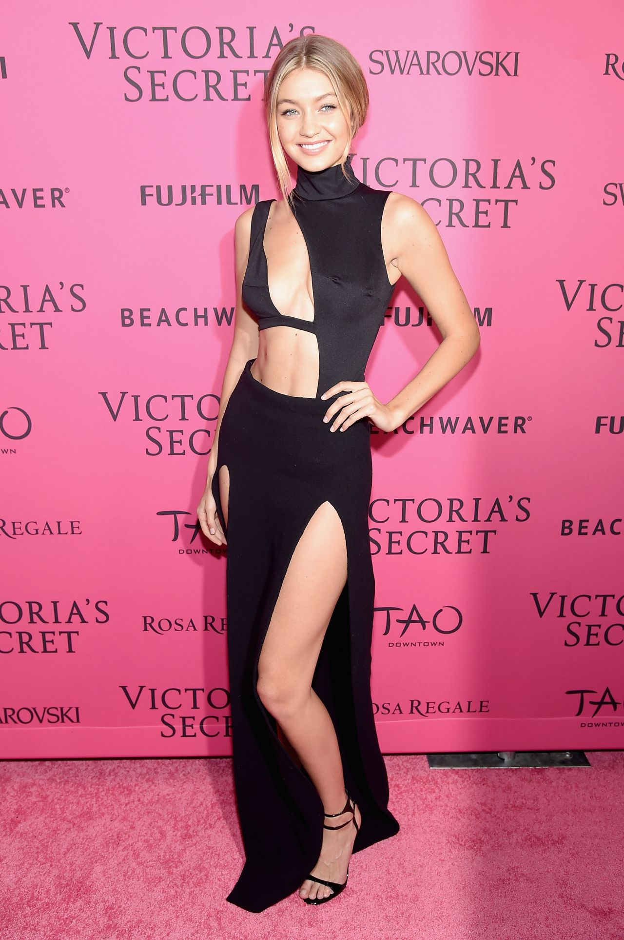 Models hit the pink carpet for the 2017 Victoria s Secret 68