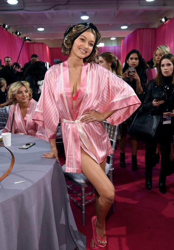 Gigi Hadid – 2015 Victoria's Secret Fashion Show in New York City, Dressing Room