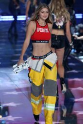 Gigi Hadid - Victoria