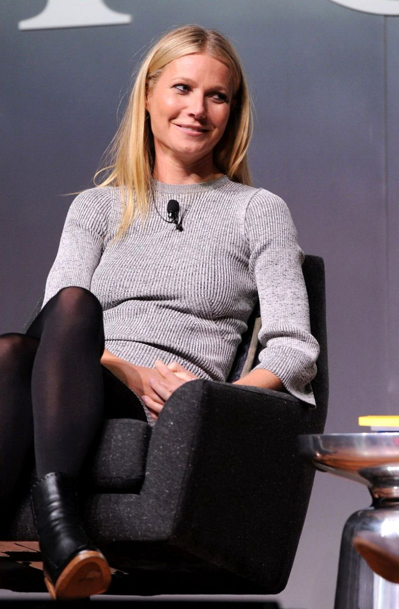 gwyneth paltrow 2015 dating Gwyneth paltrow is reportedly engaged to brad falchuk after three years of dating the duo didn't go public until sept 2015.