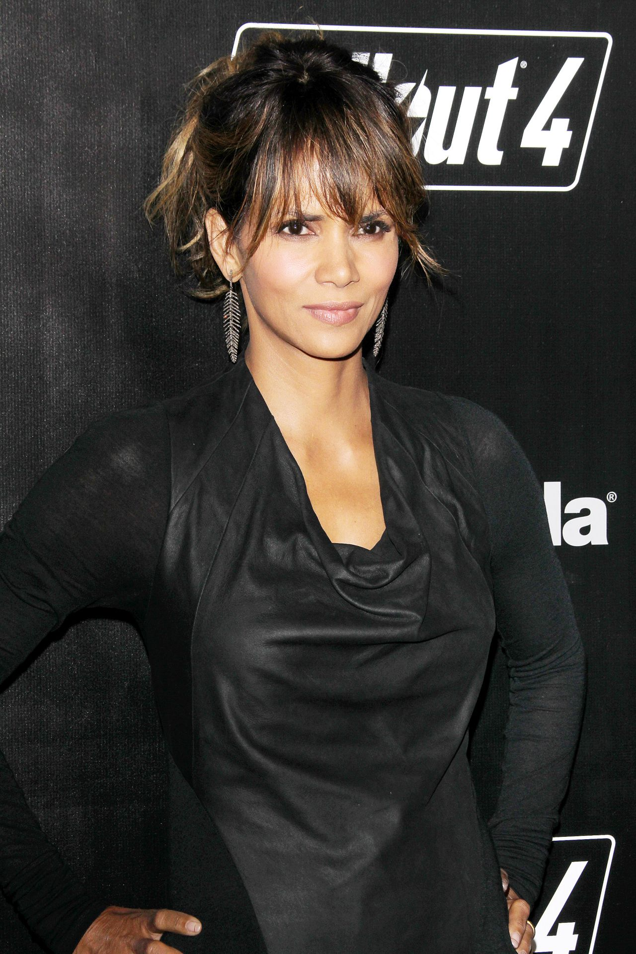 Halle Berry - Fallout 4 Video Game Launch Event in Los Angeles Halle Berry