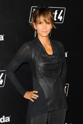 Halle Berry - Fallout 4 Video Game Launch Event in Los Angeles