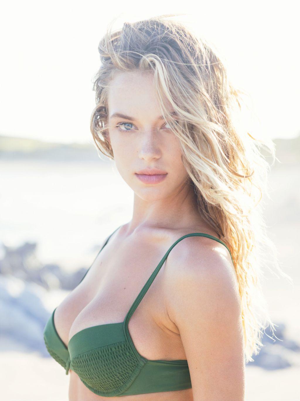 Hannah Ferguson Tori Praver Swimwear Resort 2016