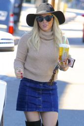 Hilary Duff - Leaving Starbucks in Los Angeles, November 2015