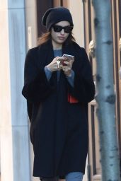 Irina Shayk - Returning to Her Manhattan Residence After Taking a Walk, 11/29/2015