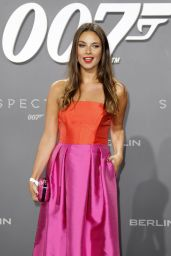 Janina Uhs – James Bond 'Spectre' Premiere in Berlin