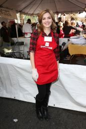 Jen Lilley - Los Angeles Mission Thanksgiving For The Homeless At The Los Angeles Mission, 11/25/2015