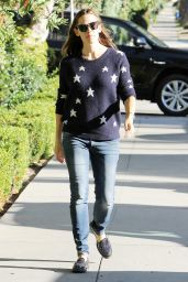 Jennifer Garner Wearing a StarrySWweater - Los Angeles, November 2015