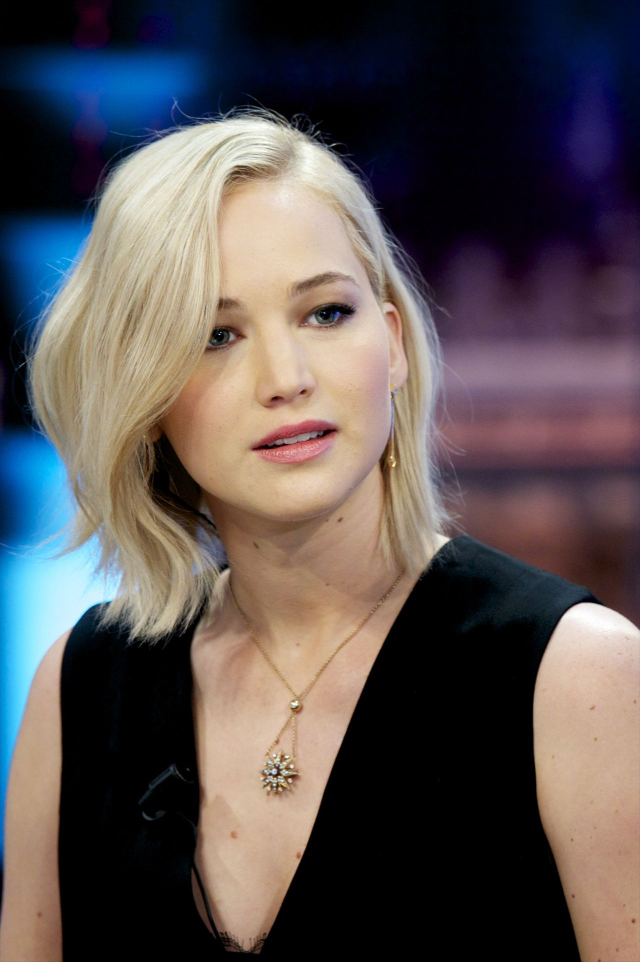 Jennifer Lawrence Makeup Tutorial: 'El Hormiguero' TV Show In Madrid, 11