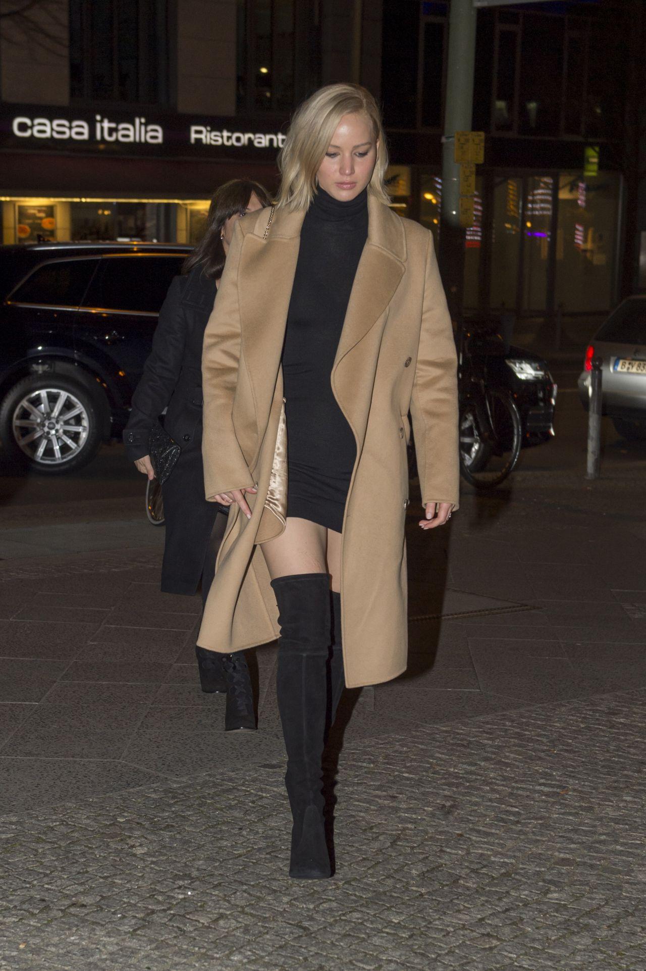 Jennifer Lawrence Going To Dinner In Berlin November 2015