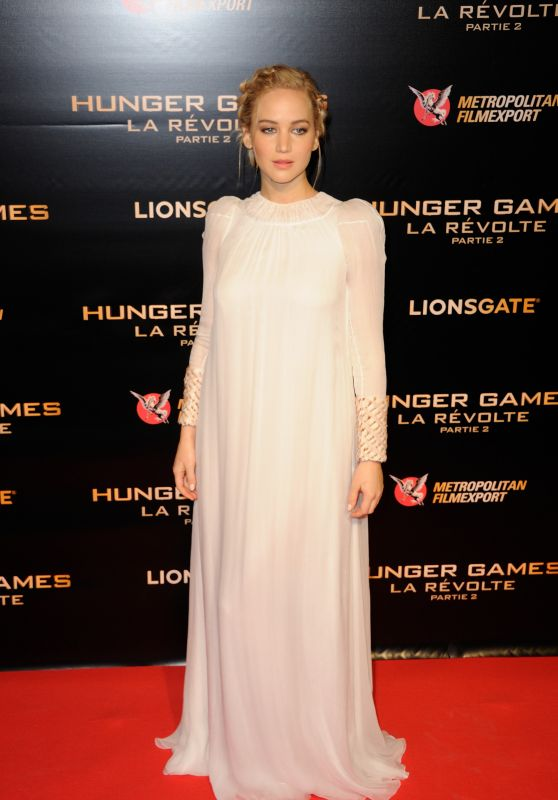 Jennifer Lawrence - Hunger Games: Mockingjay Part 2 Premiere at Le Grand Rex in Paris