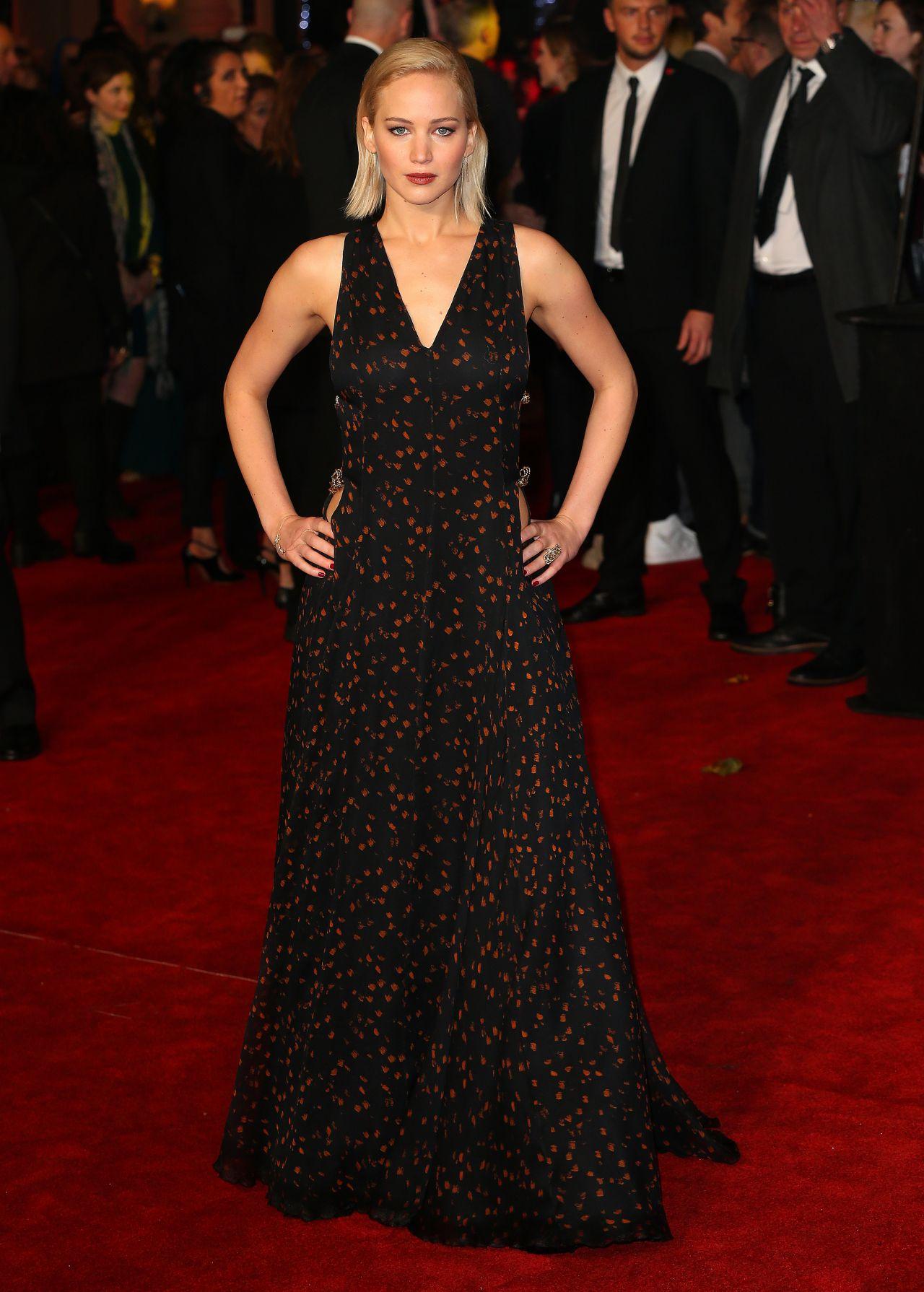 Jennifer Lawrence On Red Carpet The Hunger Games