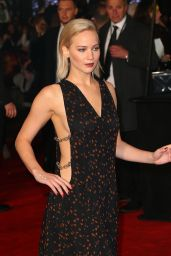 Jennifer Lawrence on Red Carpet - The Hunger Games Mockingjay Part 2 Premiere in London