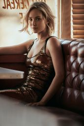 Jennifer Lawrence - Photoshoot for Vogue Magazine December 2015
