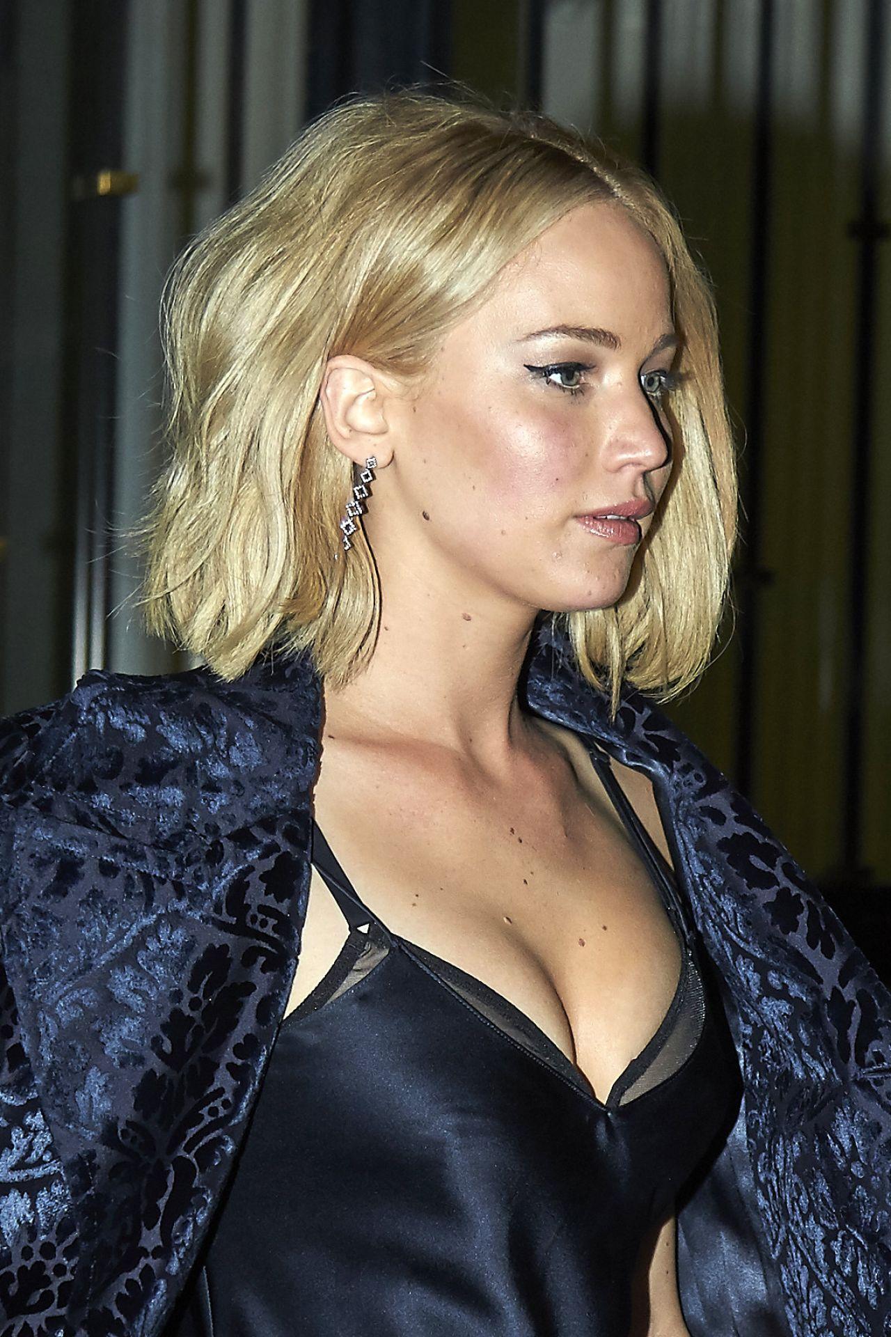 Jennifer Lawrence Styl... Jennifer Lawrence