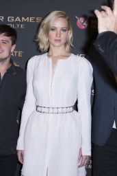 Jennifer Lawrence - The Hunger Games: Mockingjay Part 2 Photocall in Paris