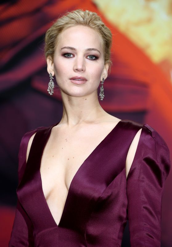 Jennifer Lawrence - The Hunger Games Mockingjay Part 2 Premiere in Berlin