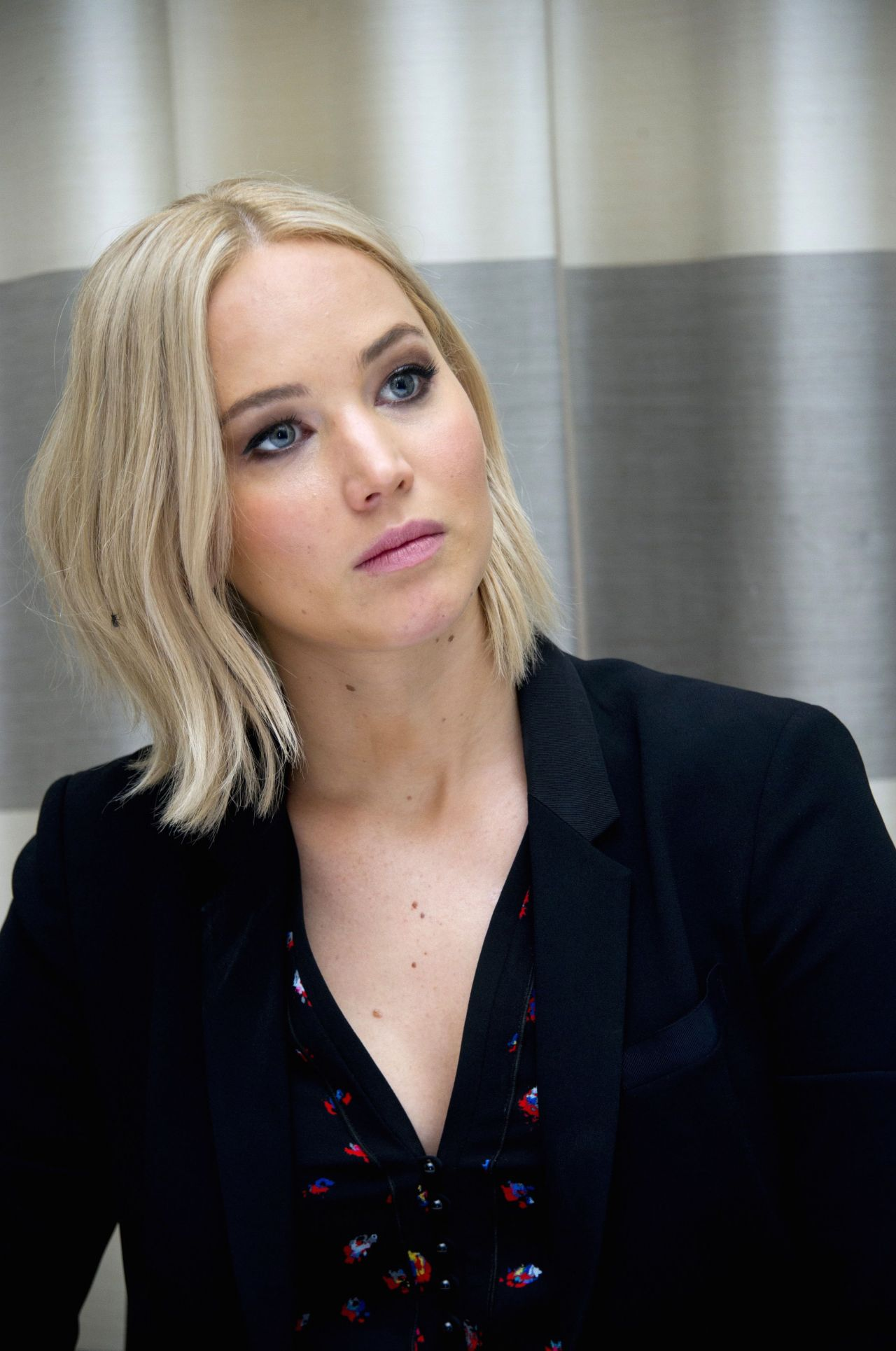Jennifer Lawrence Net Worth – Height, Weight, Age, Bio