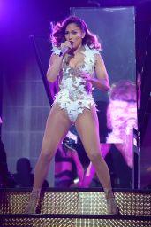 Jennifer Lopez - 2015 iHeartRadio Fiesta Latina in Miami