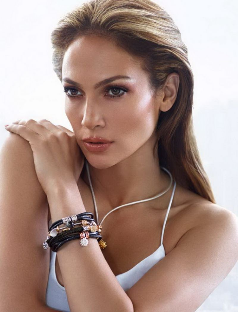 Jennifer Lopez – J-LO Clothing Collection 2016