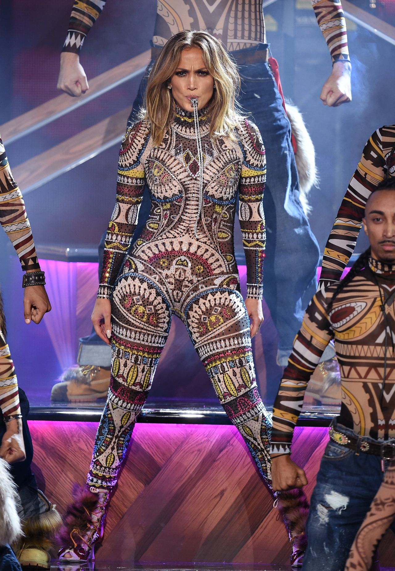 Jennifer Lopez Performs at 2015 American Music Awards in