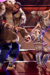 Jennifer Lopez Performs at 2015 American Music Awards in Los Angeles