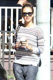 Jessica Alba - shopping in Los Angeles - November 2015