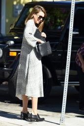 Jessica Alba - Waiting for the Valet in LA, November 2015