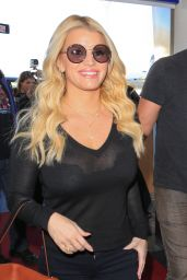 Jessica Simpson Airport Style - LAX in Los Angeles, Novemebr 2015