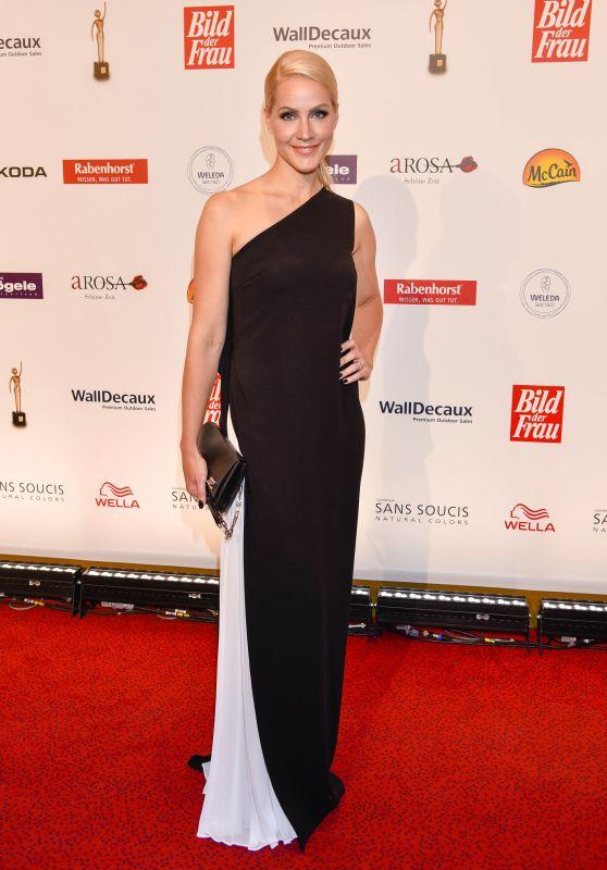Judith Rakers - Goldene Bild Der Frau Award 2015 in Hamburg