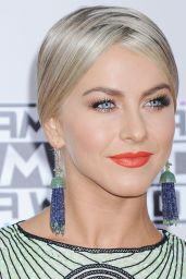 Julianne Hough – 2015 American Music Awards in Los Angeles