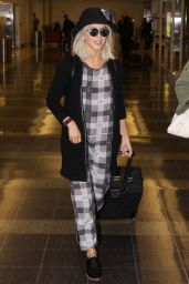 Julianne Hough at Washington Reagan National Airport in Washington DC, November 2015