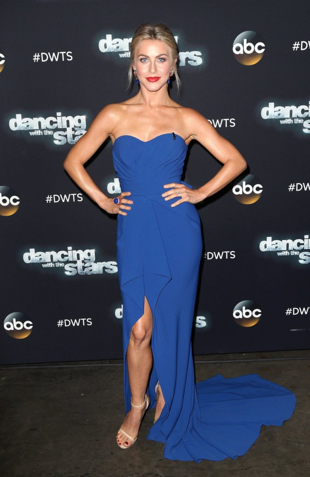 Julianne Hough Dancing With The Stars In Los Angeles