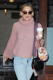 Kate Hudson Casual Style - Leaving Her Hotel in NYC 11/19/2015