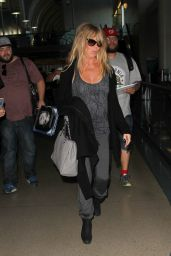 Kate Hudson & Goldie Hawn at LAX Airport, November 2015