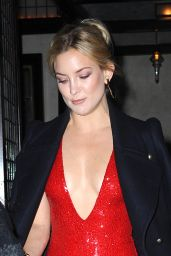 Kate Hudson - Leaves her TriBeCa Hotel in NYC 11/18/2015