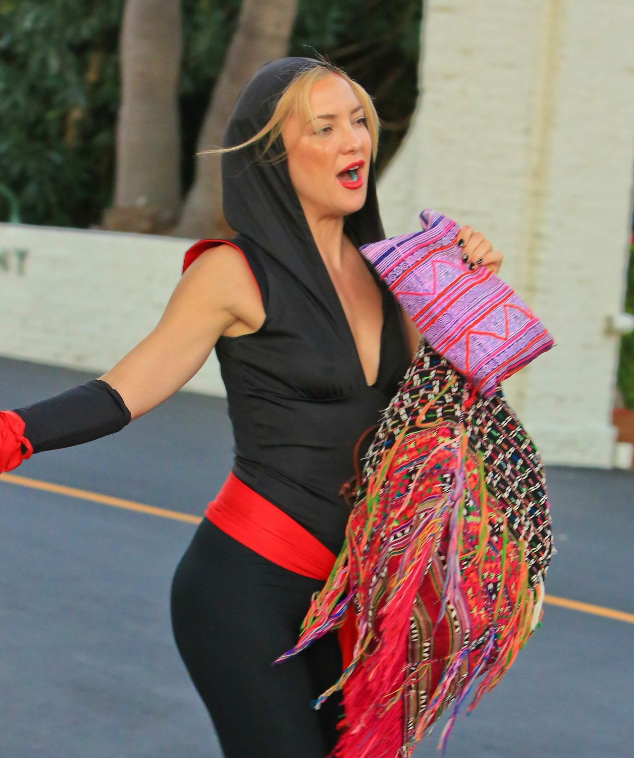 kate hudson ninja outfit for a halloween party in malibu october 2015 - Halloween On The Hudson