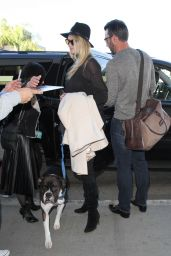 Kate Upton at Los Angeles International Airport, 11/23/2015