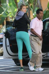 Kate Upton Booty in Leggings -  Arrives at The Beverly Hills Hotel, November 2015