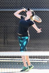 Kate Upton in Leggings - Hitting Some Balls in Beverly Hills, November 2015
