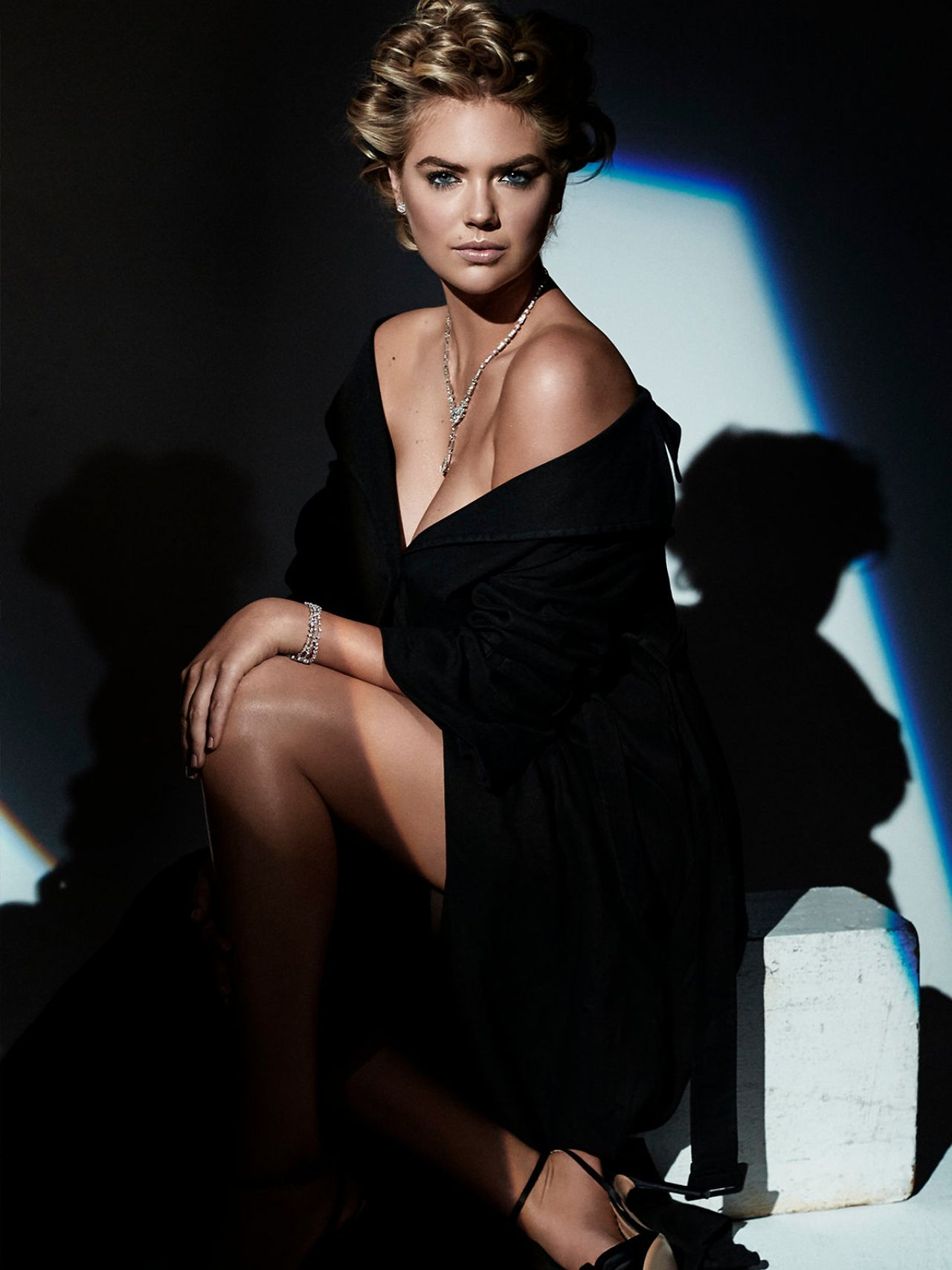 Kate Upton Photoshoot For Harpers Bazaar Magazine