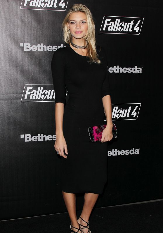 Kelly Rohrbach - Fallout 4 Video Game Launch Event in Los Angeles