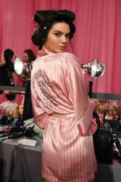 Kendall Jenner – 2015 Victoria's Secret Fashion Show in New York City, Dressing Room