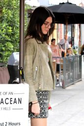 Kendall Jenner Casual Style -