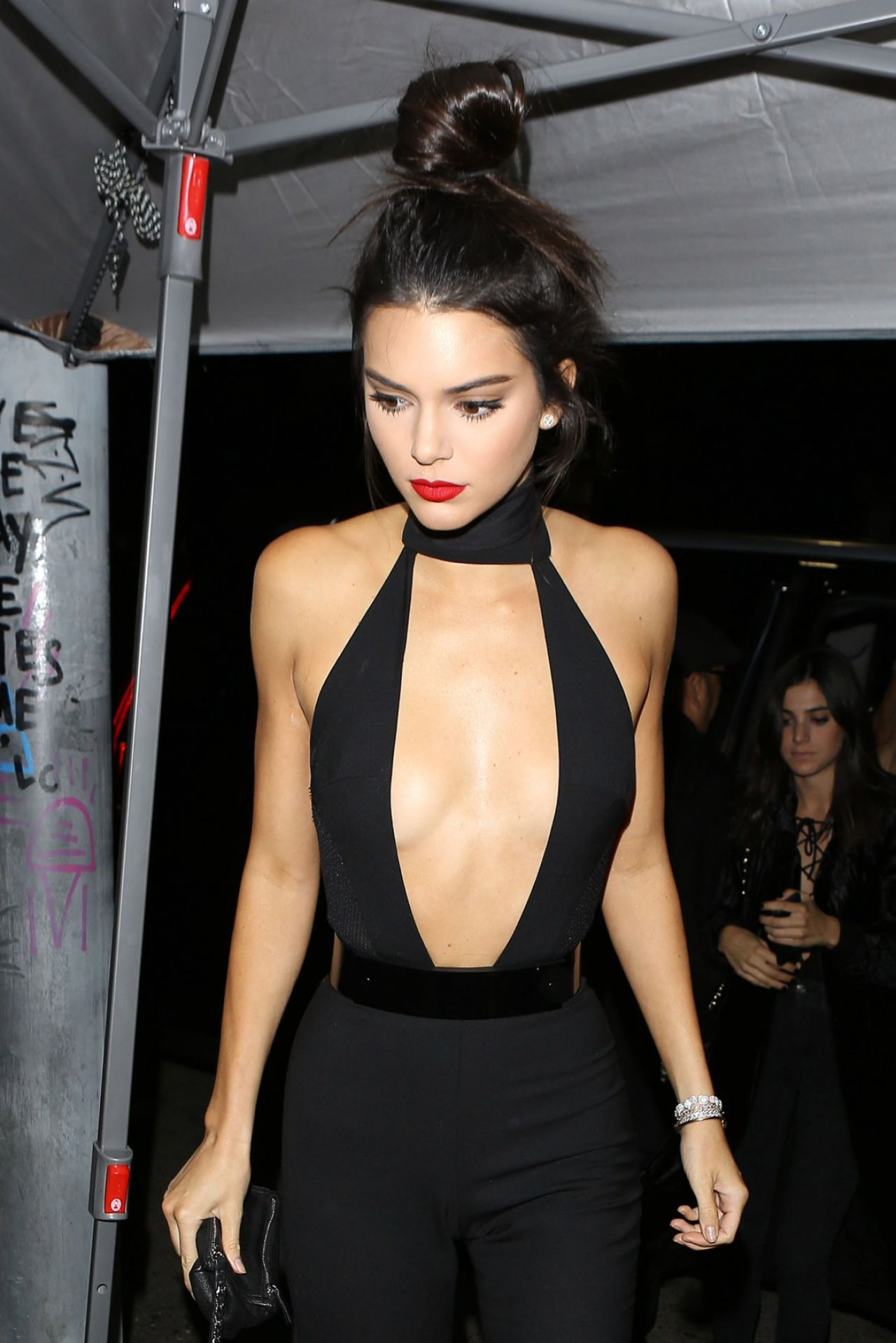 Kendall Jenner Caviar Kaspia Dinner After Pharmacy Stop: Outside The Nice Guy In West