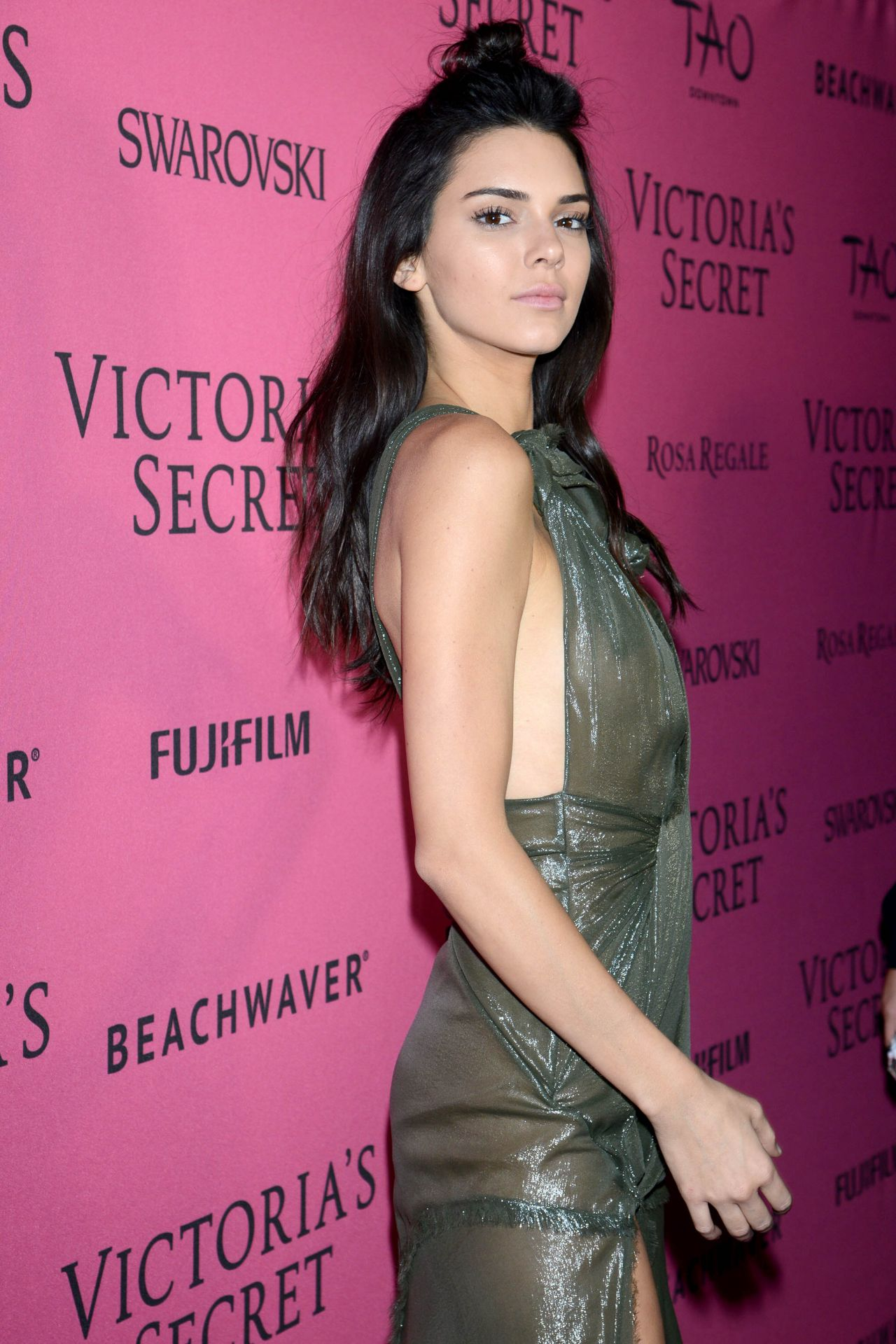 kendall jenner � victoria�s secret fashion show in new