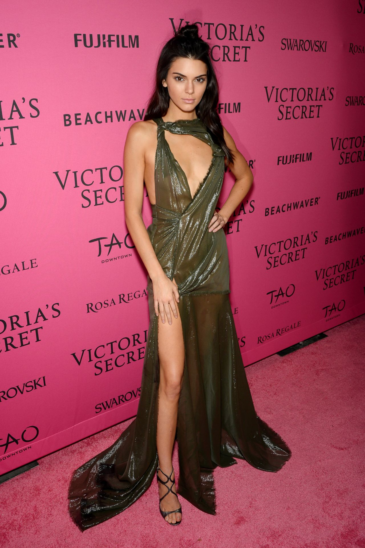 Kendall Jenner Victoria S Secret Fashion Show In New